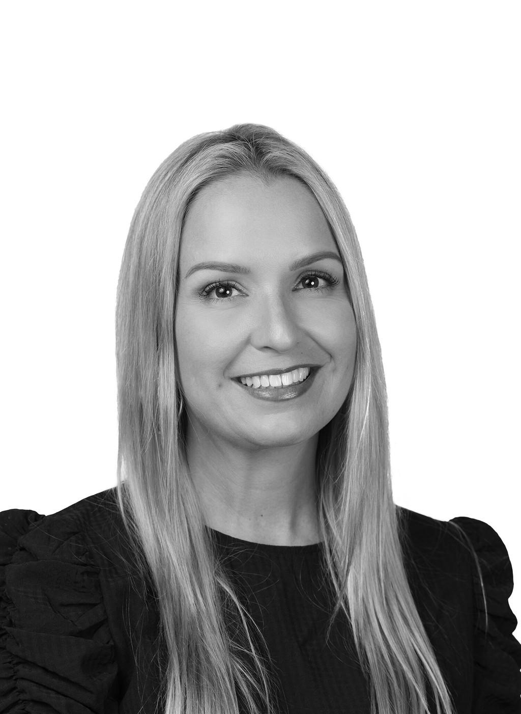 Victoria Carreno Real Estate Associate in Coral Gables