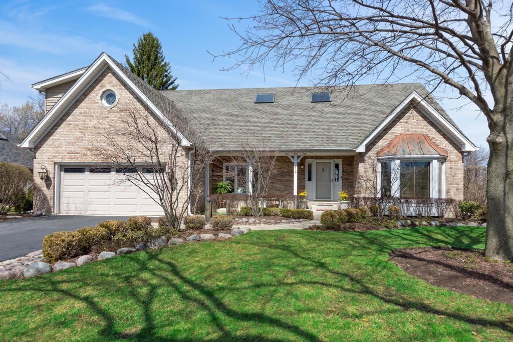 e8b4322e9c06 Single Family Homes for Sale at Stellar Location! 419 Brighton Drive Wheaton,  Illinois 60189
