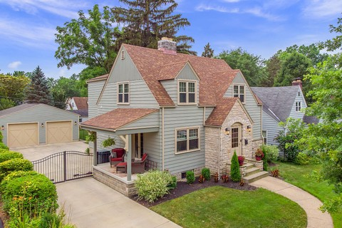 Admirable Columbus Homes For Sale List Sothebys International Realty Home Interior And Landscaping Analalmasignezvosmurscom