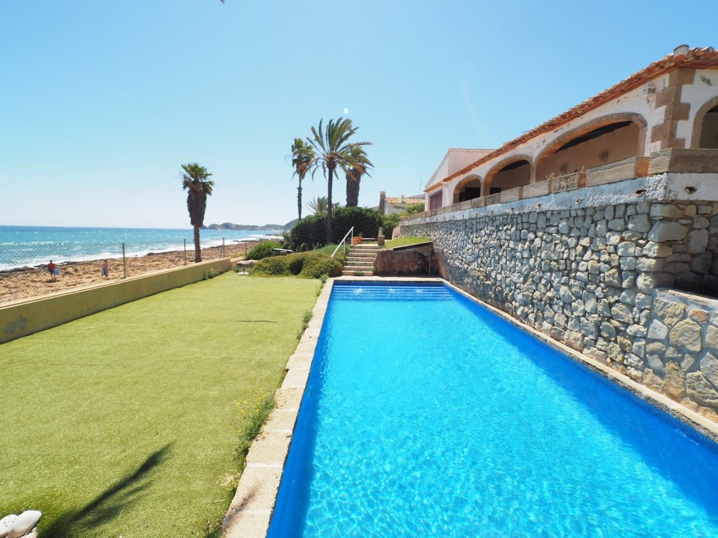 Alicante Costa Blanca Waterfront - Real Estate and