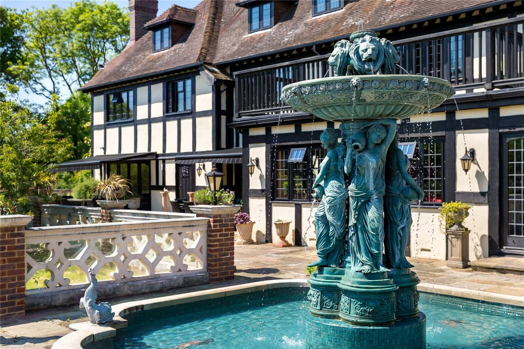 West Sussex - Real Estate and Apartments for Sale