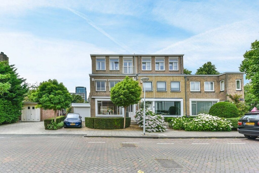 North Holland Enfamiljshus Real Estate And Apartments For Forsaljning Christie S International Real Estate