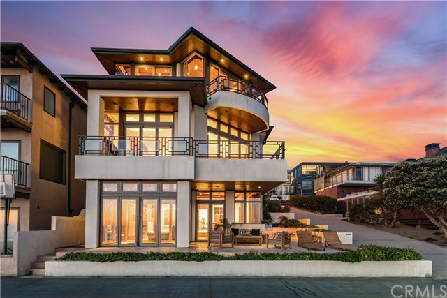 Manhattan Beach - Real Estate and Apartments for Sale