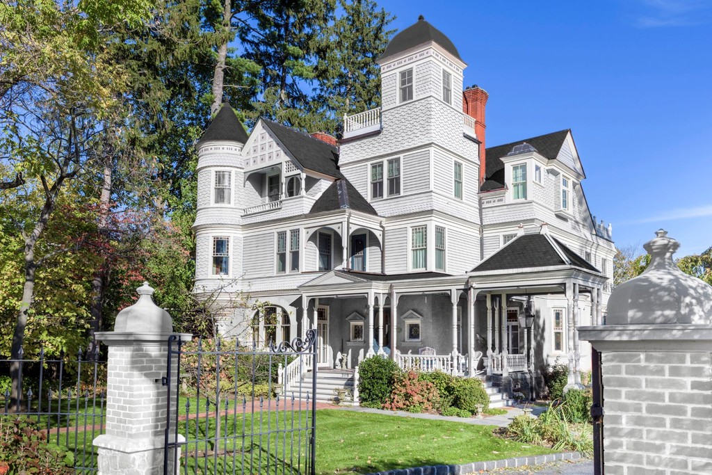 New York Homes for Sale   Ellis Sotheby's International Realty