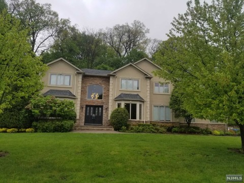 Woodcliff Lake - Real Estate and Apartments for Sale