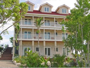 Comercial for sales at Hotel in Western Area of New Providence A Stone's Throw Away Western Area West Bay Street, Nueva Providencia / Nassau . Bahamas
