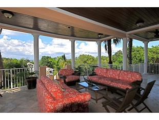 Maison unifamiliale for sales at Top of the Cay in Lyford Cay  Lyford Cay, New Providence/Nassau . Bahamas