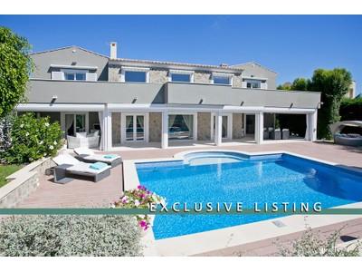 Villas / Townhouses for sales at EXCLUSIVE LISTING!! Stunning villa in Mediterranean style in a quiet and exclusive area of Sol de Mallorca  Sol De Mallorca, Mallorca,07181 Spain