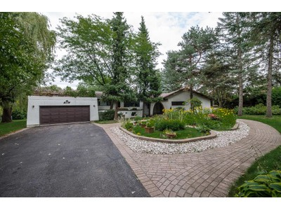 Single Family for sales at ROTHWELL HEIGHTS 1.25 ACRES  Ottawa, Ontario,K1J 7G6 Canada