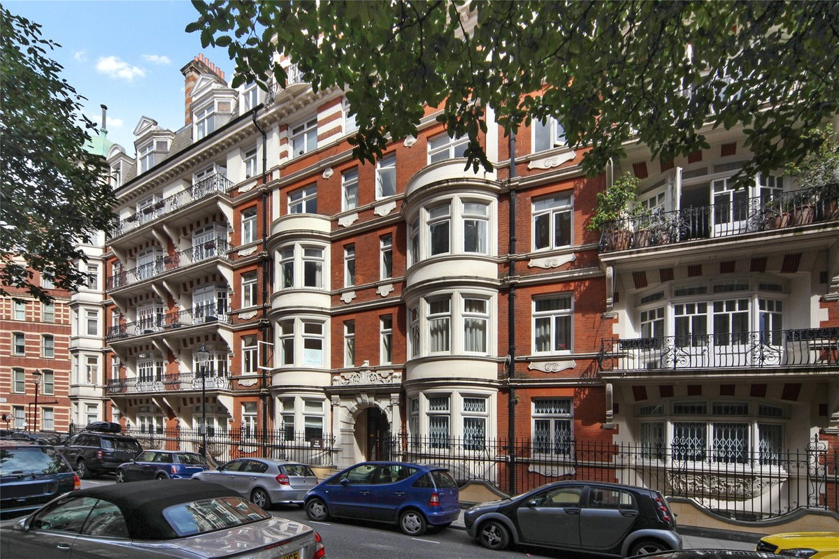 Basil Mansions Street Knightsbridge London Sw3