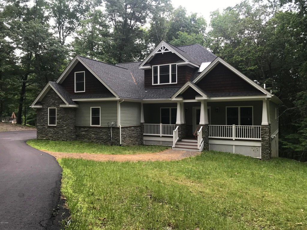 143 Pond Dr Matamoras Pennsylvania 18336 Single Family Homes for Sale