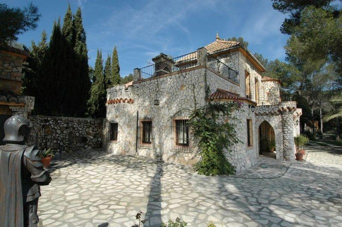Villas / Townhouses for sales at Luxury Country House - Finca for sale in Jativa Jativa, Valencia,Spain