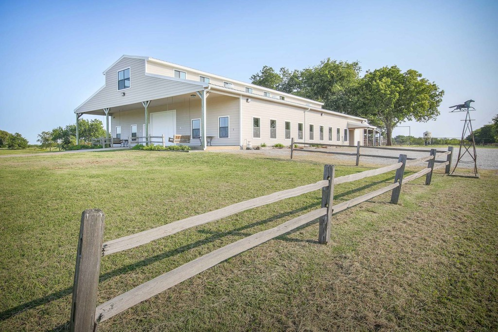 Tom Bean Tx >> 1014 Franklin Road Tom Bean Texas United States Luxury Home For Sale