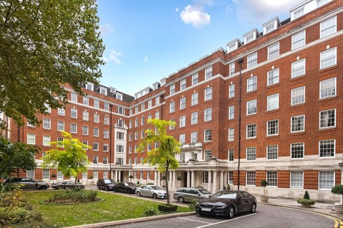 Homes For Sale: London, England, United Kingdom