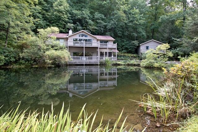 114 Four Ponds Dillard Georgia 30537 single family homes for Sale