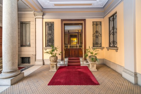 Apartment For At Prestigious Office In A Bourgeois Building Milano Milan Italy