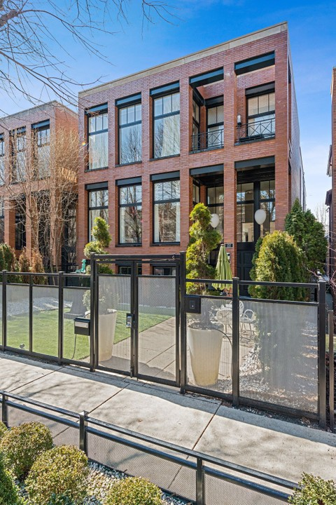 Single Family Home For At Magnificent Contemporary Masterpiece 2312 N Janssen Avenue Lincoln Park