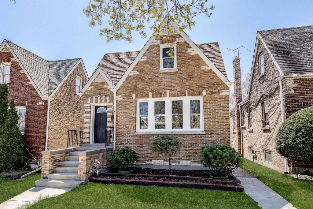 6249 W Henderson StreetChicagoIllinois 60634 for Sale