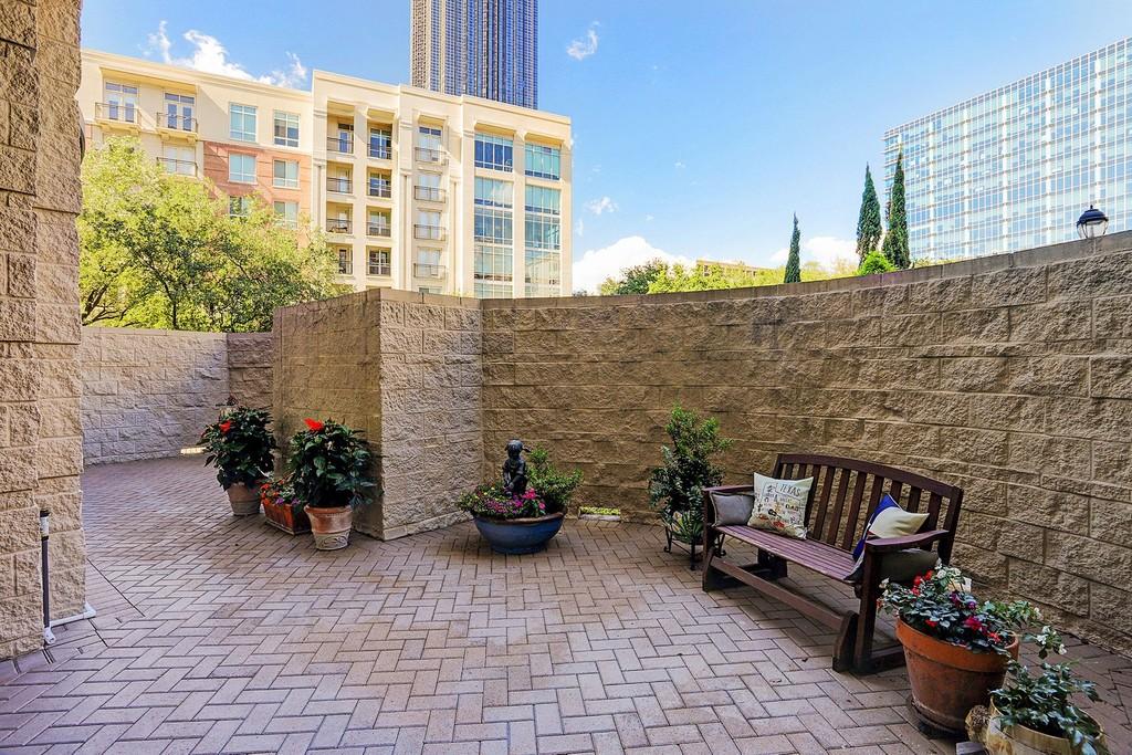 5005 Hidalgo Street Unit 209 Houston Texas 77056 Apartments For Sale