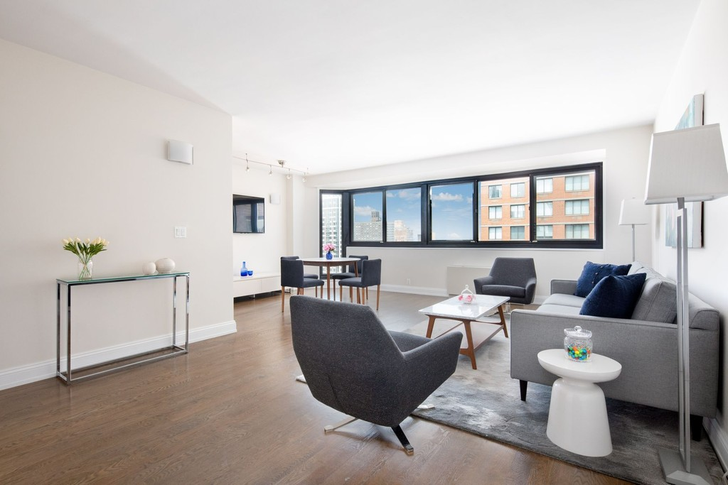 1725 York Avenue 26H New York New York 10128 Co-op Properties for Sale