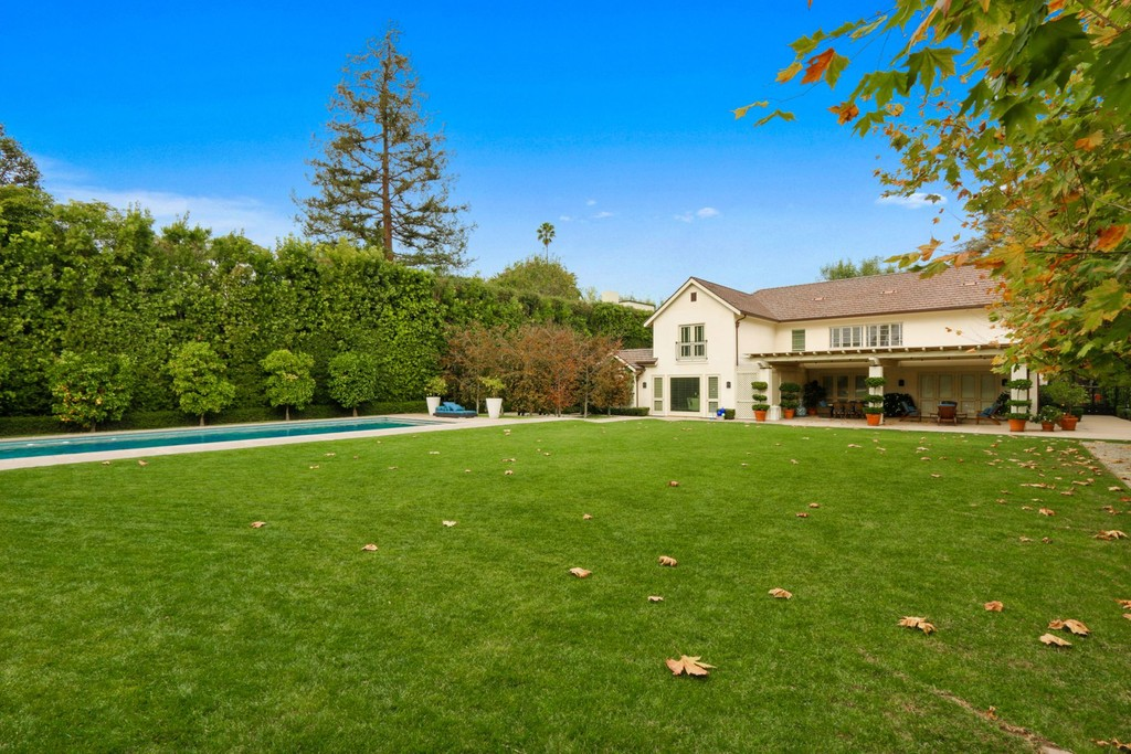 807 North Alpine Drive   Beverly Hills California Single Family Homes for  sale Details