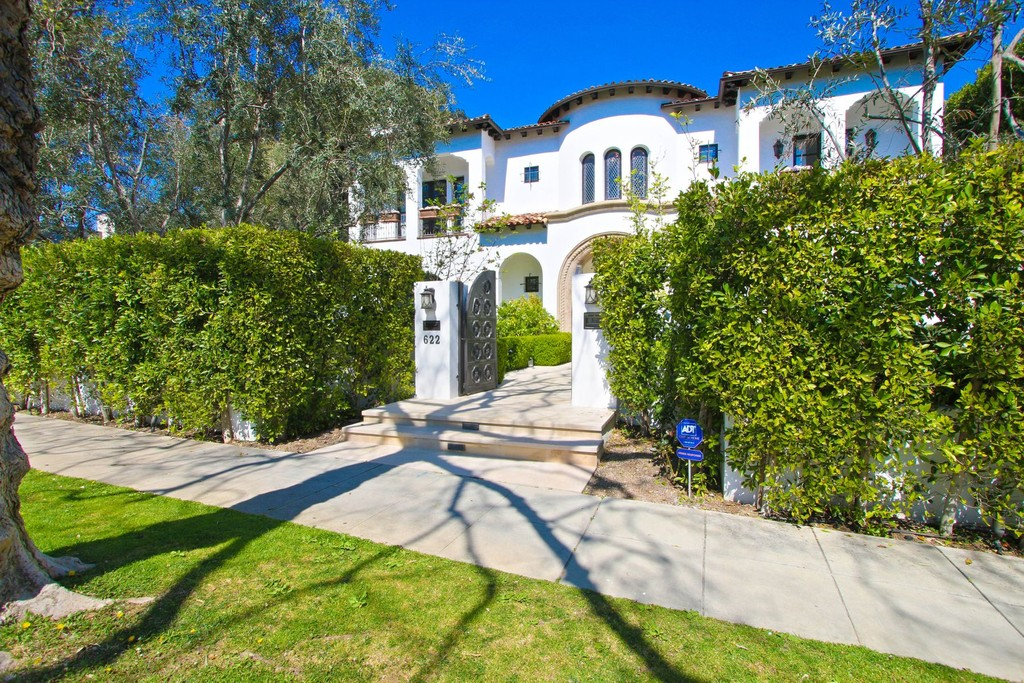 622 Walden Drive Beverly Hills California 90210 Single Family Homes for Rent