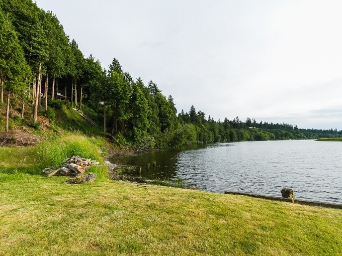 Terreno for sales at White Rock Waterfront Whistler, Columbia Britannica Canada