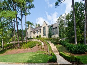 Villa for sales at Magnificent Custom Built European Masterpiece 435 King Road NW Atlanta, Georgia 30342 Stati Uniti