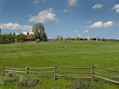 Casa para uma família for sales at Family Compound in Missouri Heights 890 & 960 County Road 102 Carbondale, Colorado 81623 Estados Unidos