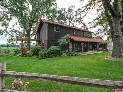 Maison unifamiliale for sales at Spectacular 103 Arce Vista Vale Farm 5255 N Clay Hill Road Spring Green, Wisconsin 53588 États-Unis