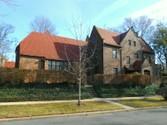 """Vivienda unifamiliar for sales at """"REGAL RESIDENCE DESIGNED FOR ENTERTAINING""""  Forest Hills,  11375 Estados Unidos"""
