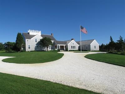 Casa para uma família for sales at Two Dwellings on Three Acres!  Nantucket, Massachusetts 02554 Estados Unidos