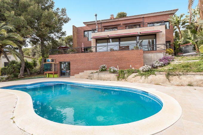 Single Family Home for sales at Beautiful high standing house in the best area of Castelldefels Castelldefels, Barcelona Spain