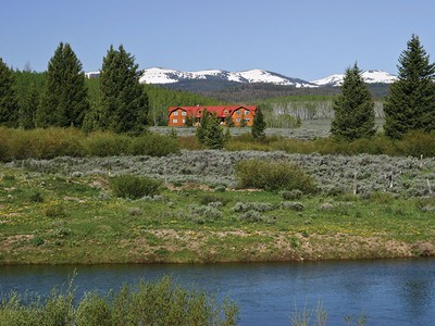 Ferme / Ranch / Plantation for sales at Ranch Retreat South of Jackson 162 Beaver Creek Road Daniel, Wyoming 83115 États-Unis