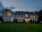 Moradia for  sales at Welcome home! 2 Winkler Farm   Bedford, Nova York 10506 Estados Unidos