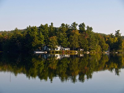 Einfamilienhaus for sales at Little Lake Sunapee Waterfront Estate 43 Woody Point New London, New Hampshire 03257 United States
