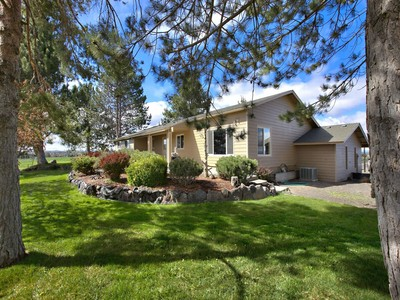 Nông trại / Trang trại / Vườn for sales at 16227 Culver Hwy 16227 SW Culver Hwy Culver, Oregon 97734 Hoa Kỳ