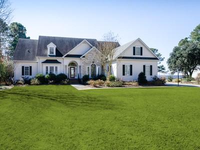 Villa for sales at Horniblow Point Waterfront 116 Horniblow Point Rd Edenton, Carolina Del Nord 27932 Stati Uniti