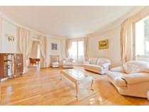 Appartement for sales at Appartement traversant - Auteuil rue félicien David   Paris, Paris 75016 France