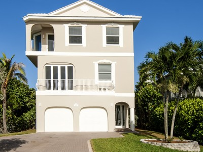Single Family Home for  at Beautiful Ocean to River Home in Ambersand Beach 12894 Highway A1A Vero Beach, Florida 32963 United States