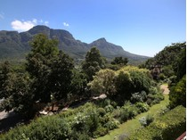 Villa for sales at A Private Paradise - with unsurpassed mountain views 18 Exeter Avenue Cape Town, Capo Occidentale 7708 Sudafrica