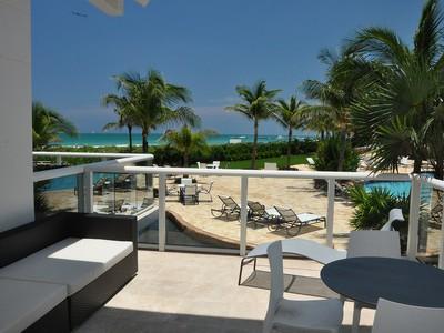 共管物業 for sales at Continuum South Beach Cabana 12 50 S. Pointe Dr. Cabana 12 Miami Beach, 佛羅里達州 33139 美國