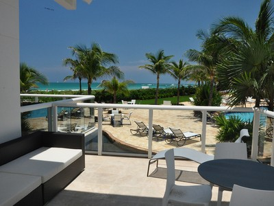 Appartement en copropriété for sales at Continuum South Beach Cabana 12 50 S. Pointe Dr. Cabana 12 Miami Beach, Florida 33139 États-Unis