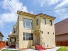 Moradia Multi-familiar for  sales at Beautifully Maintained Fourplex 1715 63rd Street Berkeley, Califórnia 94703 Estados Unidos