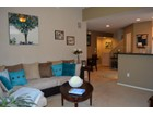 Moradia em banda for sales at Charming Move-in Ready Townhouse In The Beautiful Gated Biltmore Palms 4343 N 21st Street #260 Phoenix, Arizona 85016 Estados Unidos