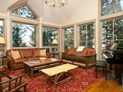 Vivienda unifamiliar for sales at Snow King Contemporary Mountain Retreat 65 Snow King Ct. Town Of Jackson, Wyoming 83001 Estados Unidos