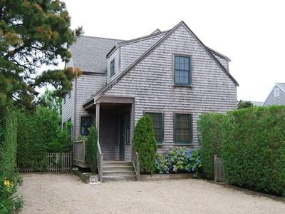 独户住宅 for sales at Builder's Home - A Must See! 11 Pine Tree Road Nantucket, 马萨诸塞州 02554 美国