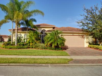 Villa for sales at Stunning Home in Woodfield 6252 Coverty Court  Vero Beach, Florida 32966 Stati Uniti