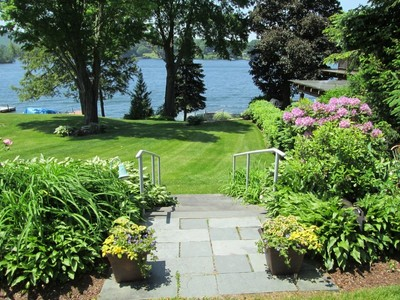 Casa para uma família for sales at Candlewood Lake Waterfront 90 Kellogg Street Brookfield, Connecticut 06804 Estados Unidos