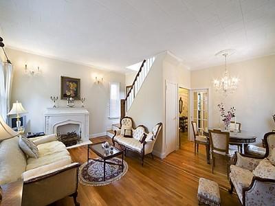 独户住宅 for sales at Renovated & Beautiful Detached Brick House 5822 Spencer Avenue Riverdale, 纽约州 10471 美国